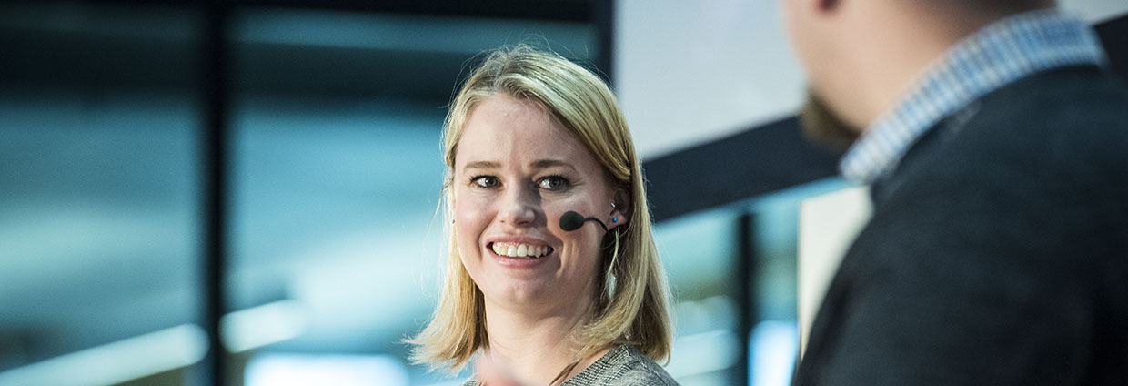 Event and conference at Hager Forum on 15.11.2018: expert Jessica Barker talks about cyber security and the internet of things.