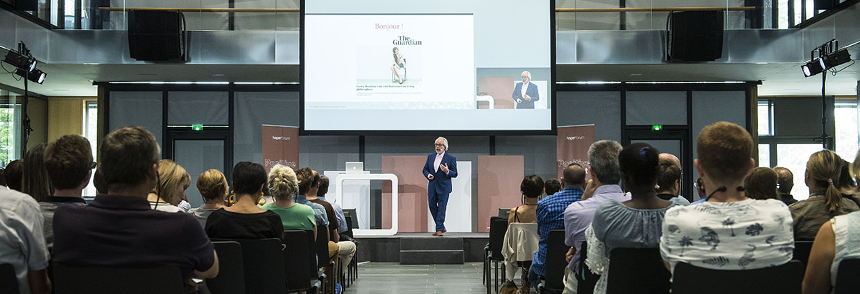 Event and conference Positive Impact Week #3 at Hager Forum on 31.05.2018: expert and corprate philosopher Roger Steare talks about ethics in business in front of an interested audience.