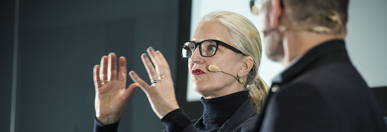 Event and conference Trend Session #6 at Hager Forum on 05.02.2018: expert and futurist Anne Lise Kjaer talks about megatrends evolving the next few years and explains her vision.